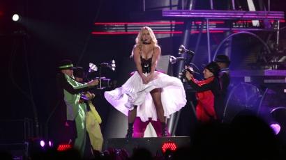 Britney látványos koncertet adott Budapesten