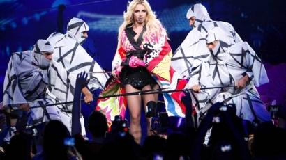 Britney nem kér szinte semmit!