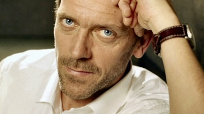 Búcsút mond a kameráknak Hugh Laurie