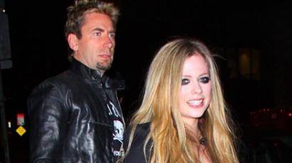 Chad Kroeger a tenyerén hordozza Avril Lavigne-t