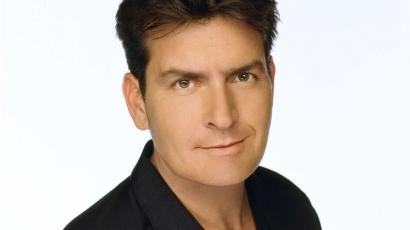 Charlie Sheen elbocsátotta ügynökét