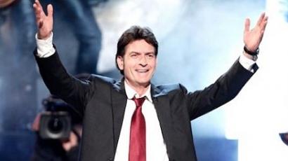 Charlie Sheen jobb útra tér