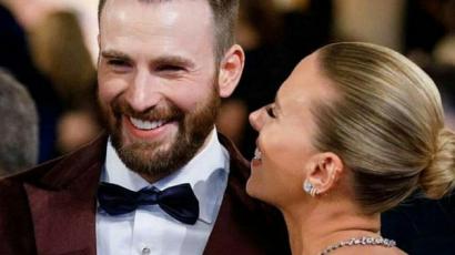 Chris Evans ismét lovagként viselkedett: most Scarlett Johanssonon segített