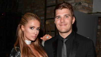 Chris Zylka visszaköveteli azt a gyémántgyűrűt, amivel megkérte Paris Hilton kezét