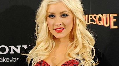 Christina Aguilera hackerek áldozatául esett