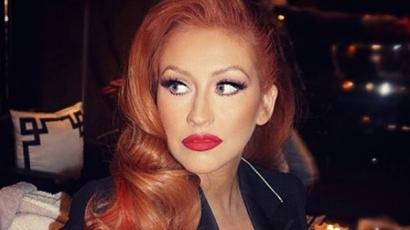 Christina Aguilera vörös lett