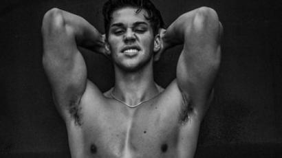 Csekkold azt a fotósorozatot, ami túl szexi volt az Instagramnak Noah Beckről