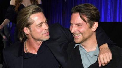 Cukiság a köbön: Bradley Cooper díjat adott át Brad Pittnek
