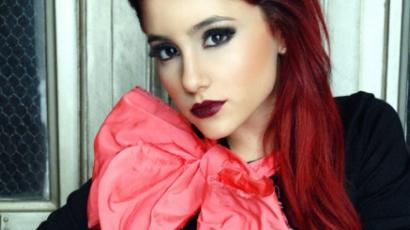 Dalpremier: Ariana Grande - Boyfriend Material