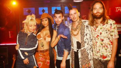 Dalpremier: DNCE – Kissing Strangers feat. Nicki Minaj