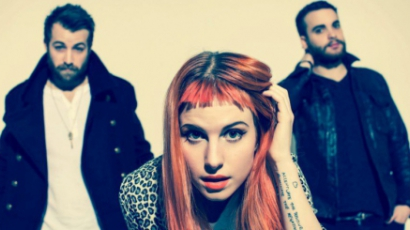 Dalpremier: Paramore — Still Into You