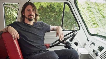 Dave Grohl sérülése miatt elmaradnak a Foo Fighters fellépései