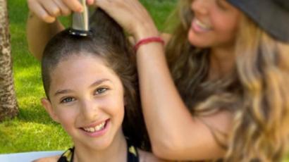 David Schwimmer 9 éves kislánya leborotváltatta haját