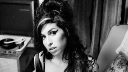 Decemberben jön Amy Winehouse új lemeze