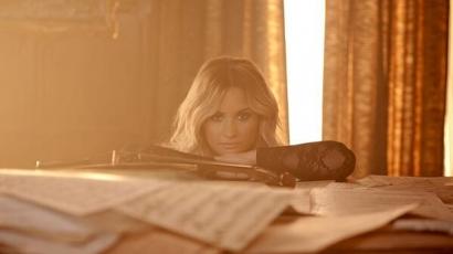 Demi Lovato a Grammy központjában adott akusztikus koncertet