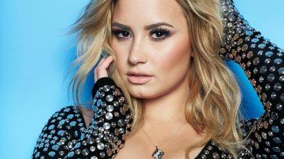 Demi Lovato bőrápoló szettet dob piacra