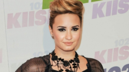 """Demi Lovato: """"Egy bőgőmasina vagyok"""""""