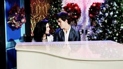 Közzétették Demi és Joe ünnepi dalát