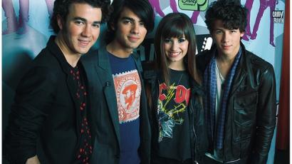 Demi Lovato már várja a Jonas Brothers új albumát