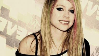 Egészségügyi problémákkal küzd Avril Lavigne