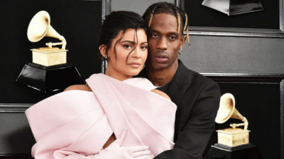 Egyentetoválást varratott Kylie Jenner és Travis Scott