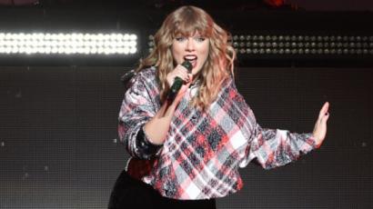Egyik legjobb barátja szerint Taylor Swift még soha életében nem volt ilyen boldog