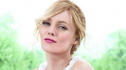Eladó Vanessa Paradis mosolya