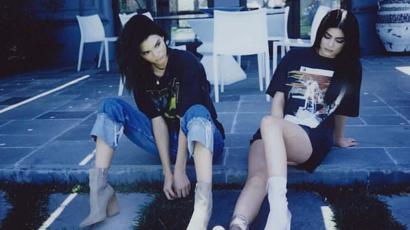 Botrány! Ennyi embert még valószínűleg soha nem akasztott ki a két Jenner lány