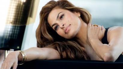 Eva Mendes boldogabb, mint valaha!