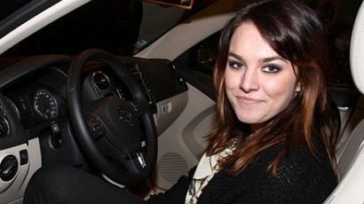 Ewa Farna autóbalesetet szenvedett