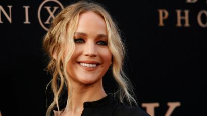 Exkluzív fotók: gömbölyödő pocakkal kapták lencsevégre Jennifer Lawrence-t