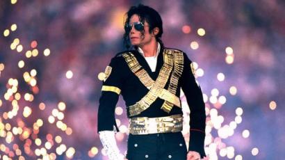 Ez a srác kiköpött mása Michael Jacksonnak: teljesen kiborult az internet