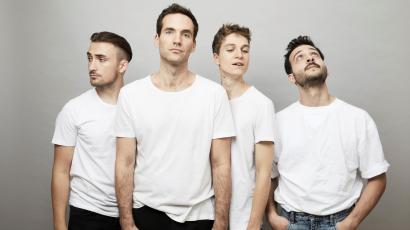 Fehér Balázs, a Carbonfools egykori frontembere új formációval és szólólemezzel tért vissza.
