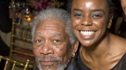 Freeman feleségül veszi mostohaunokáját