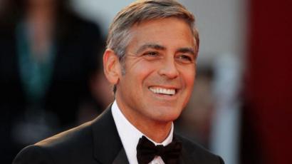 George Clooney a kora miatt cserélte a rendezésre a színészetet