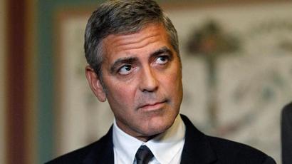 George Clooney-t leköpdösték