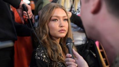 Gigi Hadid sírva adott interjút