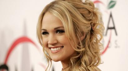 Gipszbe kényszerült Carrie Underwood