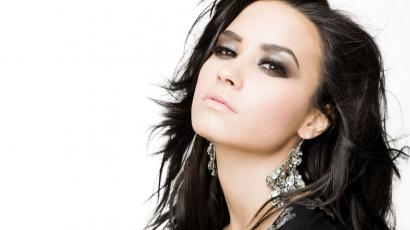 Gúnyt űztek Demi Lovatóból az X Factor döntőjében