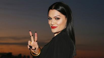 Gyakorlás nélkül! Jessie J elképesztően énekelte Céline Dion legendás dalát