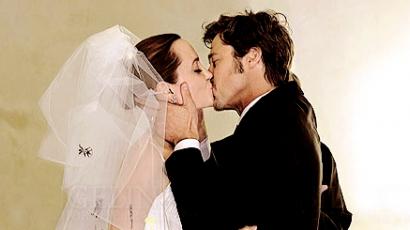 Gyermekei rajzai díszítették Jolie esküvői ruháját