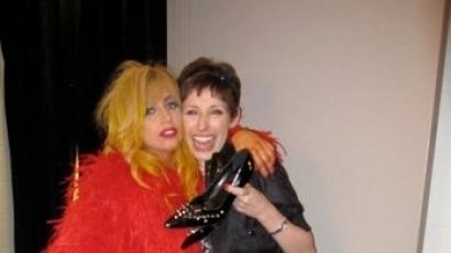 Halála előtt teljesült Gaga rajongójának álma