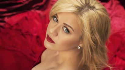 Hallgass bele Kelly Clarkson legújabb dalába!
