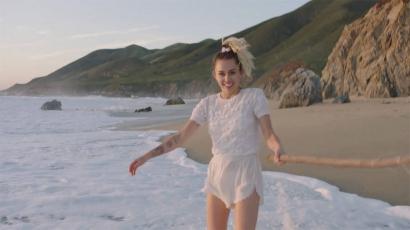 Hallgass bele Miley Cyrus Liam Hemsworth-ről szóló dalába!