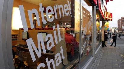 Hat éve él internetkávézóban a súlyos játékfüggő