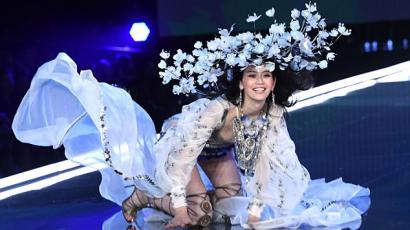 Hatalmasat zakózott a Victoria's Secret csinos modellje
