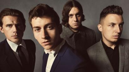 Hírességek stílusevolúciója – Arctic Monkeys