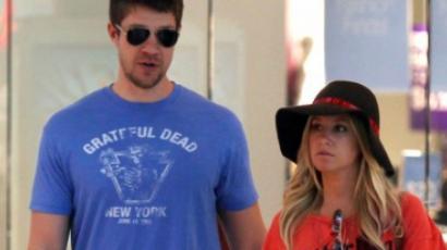 Ashley Tisdale és Scott Speer újra egy pár