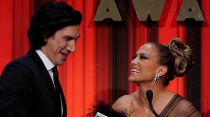 IFP Gotham Awards: J.Lo tollas estélyiben, Lili Reinhart kövekkel kirakott miniruhában jelent meg