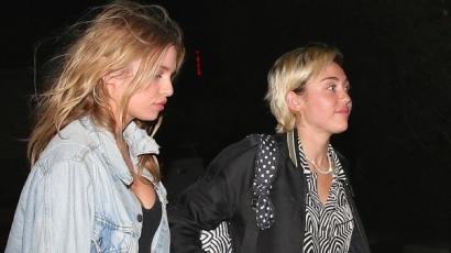 Így csókolózik Miley Cyrus a barátnőjével – videó!